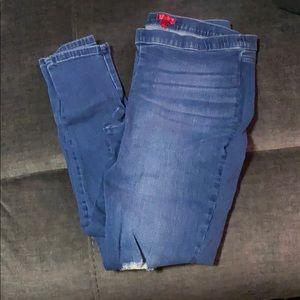 Jennifer Lopez elastic waist skinny jeans
